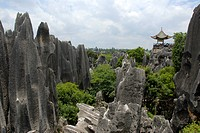 UNESCO World Heritage Site, sculpture_like rocks with gazebo, karst landscape, Shilin Stone Forest, Yunnan Province, People´s Republic of China, Asia