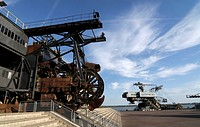 Gemini stacker and Mad Max bucket dredger, Ferropolis, City of Iron, Saxony_Anhalt, Germany, Europe