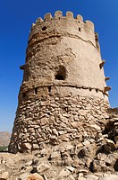 Historic adobe watchtower near Nakhal, Nakhl, Hajar al Gharbi Mountains, Batinah Region, Sultanate of Oman, Arabia, Middle East