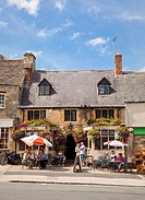 Small medieval pub in the Cotswolds town of Burford, Oxfordshire, England, UK