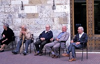Elderly gentlemen at Piazza del Duomo