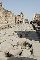 Paved street, Forum, Roman excavation site, Pompeii, Naples, Campania, Italy, Europe
