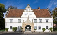 The gatehouse of the Schloss vor Husum Palace, North Frisia, Schleswig-Holstein, Germany, Europe