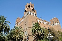 Museu de Zoologia, Castell dels Tres Dragons, castle of the three dragons, zoological museum, Parc de la Ciutadella, palm trees, Barcelona, Catalonia,...