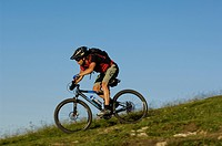 Mountain biker on Kampenwand, Chiemgau, Bavarian Pre-Alps, Bavaria, Germany, Europe