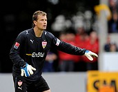 Goalkeeper Jens LEHMANN, VfB Stuttgart, gesticulating and directing the defence