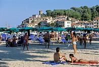 Beach at Lungomare Generale Fabio Mibelli, Marina di Campo, Island of Elba, province of Livorno, Tuscany, Italy, Europe