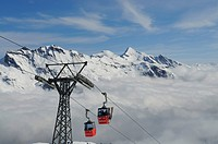 Maennlichen Cableway with view over Mt First and Mt Wetterhorn, Grindelwald, Bernese Alps, Switzerland, Europe