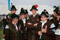 Young riflemen at a folk festival in Muehldorf am Inn, Upper Bavaria, Bavaria, Germany, Europe