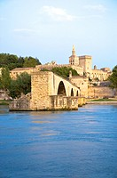 Pont Saint_Benezet, Palais des Papes in Avignon, Provence_Alpes_Cote d'Azur, France