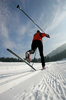 Female cross-country skier, classic style