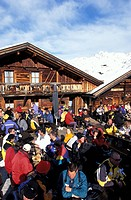 Gampe Alp, people sitting outside a ski hut, Soelden, Oetztal, Tyrol, Austria