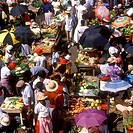 Grenada _ The busy Saturday Market in St George´s