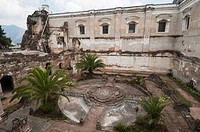 Ruins of San Francisco Monastery, Antigua, UNESCO World Heritage Site, Guatemala, Central America
