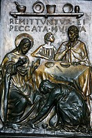 Sculpture of Jesus, Simon the Pharisee and the sinner who washed Jesus´s feet, St. Peter´s Basilica, Vatican, Rome, Lazio, Italy, Europe