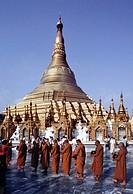 Shwedagon, Yangon Rangoon, Myanmar Burma, Asia