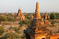 Myanmar, Birma, Burma, typical pagoda landscape in Old Bagan