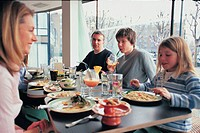 A family eating out (thumbnail)