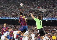 Barcelona, Camp Nou Stadium, 29/09/2009, UEFA Champions League, FC Barcelona vs. FC Dynamo Kyiv, Zlatan Ibrahimovic and goalkeeper Oleksandr Shovkovsk...