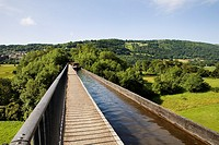 Crossing Thomas Telfords Pontcysyllte Aqueduct over the Dee Valley North Wales