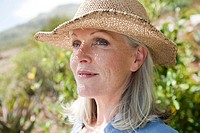 Woman wearing a sunhat (thumbnail)