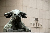 Statue of a bull in front of the Hong Kong Stock Exchange