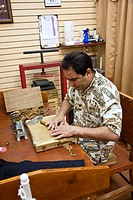 St  Augustine, FL - Jan 2009 - Hand made cigar demonstrations at cigar shop in St  Augustine, Florida