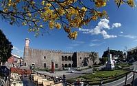 El Palacio de Cortes fue construido por Hernan Cortes a partir de 1526 a remembranza del Alcazar de Diego Colon en Santo Domingo con sus muros almenas...