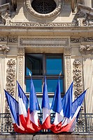 France, Paris, Louvre, French Ensigns on balcony (thumbnail)