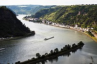 Germany, Rhineland_Palatinate, St. Goarshausen on the waterfront