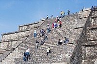 Tourists climbing the steps of the moon pyramid of Teotihuacan, Mexico City, Mexico D.F., Mexico