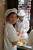 Restaurant, Huxinting Teahouse, cook, Jaotse, dumpling, Restaurant, Yu Garden Bazar, Nanshi, Feng Shui, Mid Lake Pavilion Teahouse, twisting bridge, B...