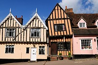England, Suffolk, Lavenham, The Crooked House Gallery in a half_timbered medieval building built around 1425 in Lavenham