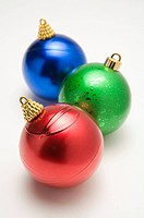 Three Christmas baubles (thumbnail)