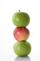 Apples in a stack (thumbnail)