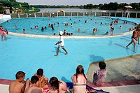 SWIMMING POOL, LEISURE PARK, BROU, EURE_ET_LOIR 28, FRANCE