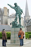 STATUE OF THE CORSAIR FROM SAINT MALO, ROBERT SURCOUF 1773_1827, PLACE DU QUEBEC, WITHIN THE TOWN WALLS, SAINT_MALO, ILLE_ET_VILAINE 35, FRANCE