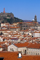VIEW OF THE ROOFS IN THE TOWN, PUY EN VELAY, COMPOSTELA ROAD, HAUTE_LOIRE 43, FRANCE