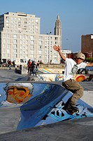 SKATE PARK, MOUNTAIN BIKE ROAD AREA, SKATERS, SKATEBOARD, IN FRONT OF THE BUILDINGS BY ARCHITECT AUGUSTE PERRET LISTED AS WORLD HERITAGE BY UNESCO, LE...