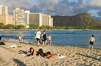 Waikiki Beach and Diamond Head Volcanic Crater, Honolulu, Oahu, Pacific Ocean, Hawaii, USA