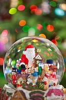oregon, united states of america, a snow globe with santa claus in it