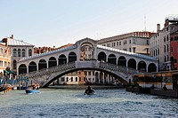Rialto bridge and Canal Grande, Venice, Italy, Europe