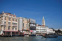 Approaching San Marco Vallaressa, Grand Canal, Venice, UNESCO World Heritage Site, Veneto, Italy, Europe