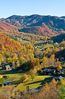 View over valley with colourful foliage in the Indian summer, Great Smoky Mountains National Park, UNESCO World Heritage Site, Tennessee, United State...