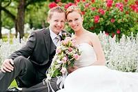 Hochzeit _ Brautpaar im Park