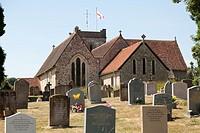 St Mary´s Church, churchyard and gravestones at Selborne