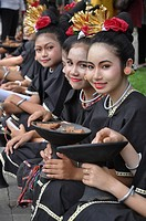 Denpasar (Bali, Indonesia): Balinese girls at the Bali Arts Festival's opening