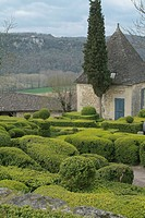 LABYRINTHE OF BUXUS SEMPERVIRENS BOX. GARDENS OF MARQUEYSSAC WITH VEZAC. DORDOGNE