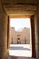 Photograph of an Egyptian temple in Luxor