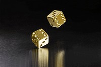Bouncing gold dice (thumbnail)